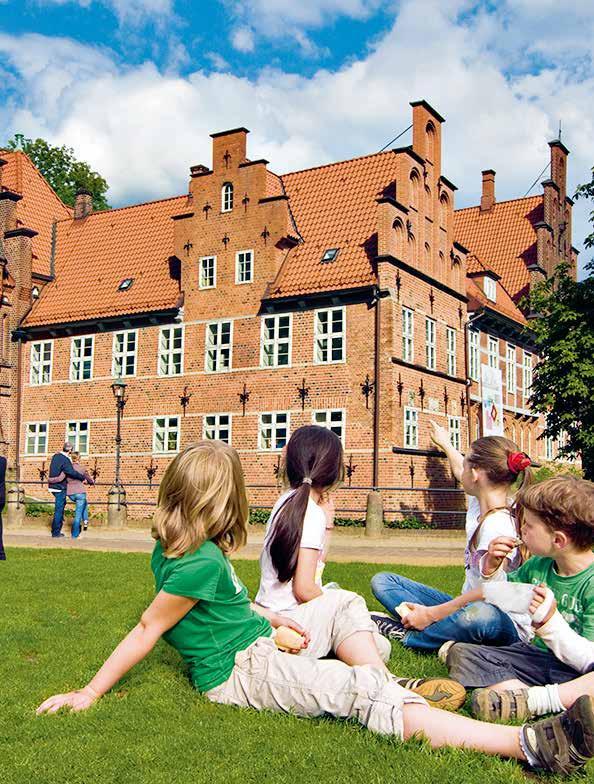 So romantisch! Das einzige erhaltene Schloss Hamburgs steht in Bergedorf und zieht nicht nur Touristen, sondern vor allem unzählige Hochzeitsgesellschaften an